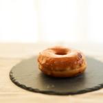 創作菓子工房 木の実の焼きまんじゅうドーナツ。