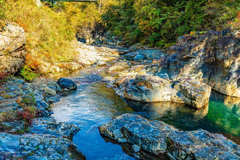 四万の甌穴群|群馬県吾妻郡中之条町